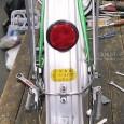 下写真の自転車、初年度登録は昭和55年。つまり29年前から使っていただいているわけです。(後輪泥よけ部分) 買い替えの御相談もありましたが、ユーザーの思い出深い自転車であること。それに、古いとはいえ、アルミ部品大量採用車 […]