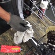 主にスポーツバイクにお乗りのお客様から、「どうやってメンテナンスをしたらいいのか」というお尋ねを頂きます。 指定された空気圧をきちんと守る、チェーンのガサついた状態(油切れ)では乗らない、等の基本は当たり前ですが、たまに […]